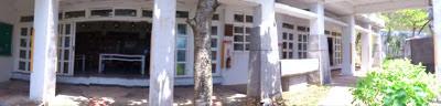 圖:去年在天秤風災吹壞了蘭嶼國小的教室,原本景觀拉門被吹走了