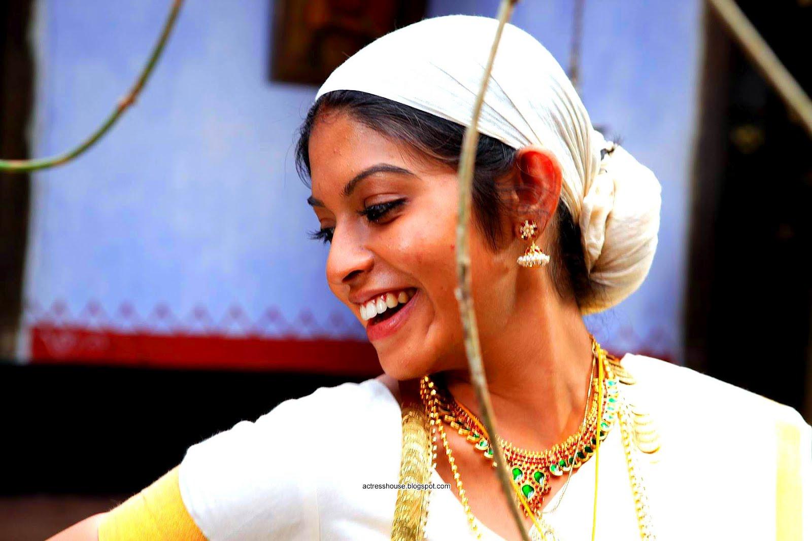 Actress prathishta rasaleela movie hot stills