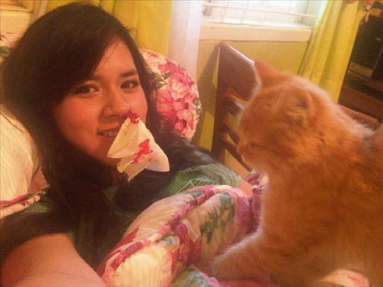Foto Raisa dan Kucingnya