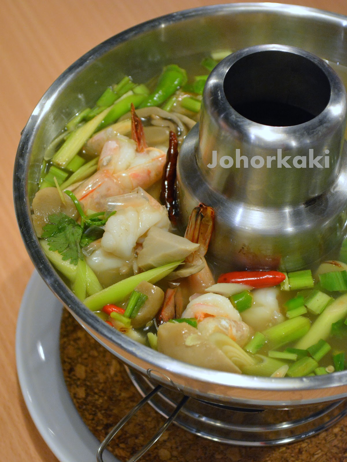 Absolute thai in johor bahru ksl city mall find dining for Anong thai cuisine