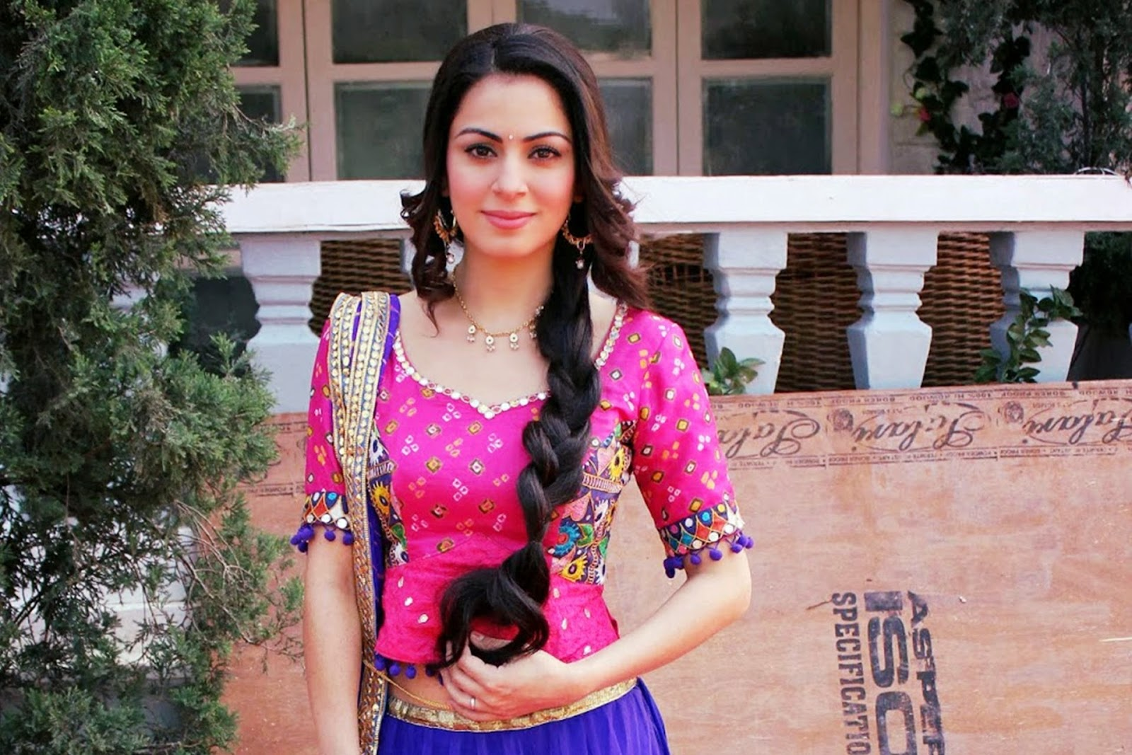 Tumhari Pakhi Broad Cast By Life OK TV Serial Wallpaper