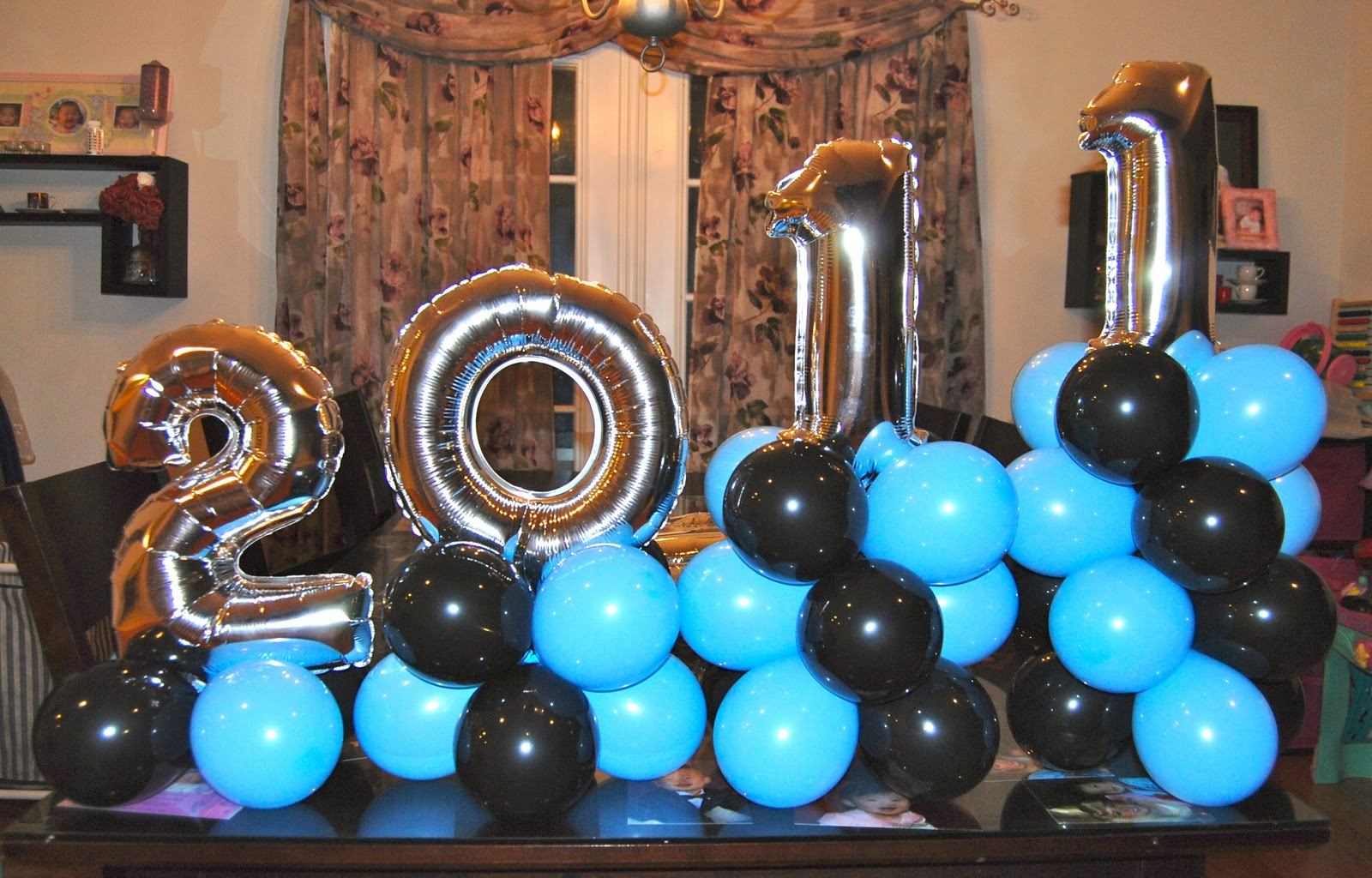 Graduation balloons balloon decor twisting glitter tattoos for Balloon decoration ideas for graduation