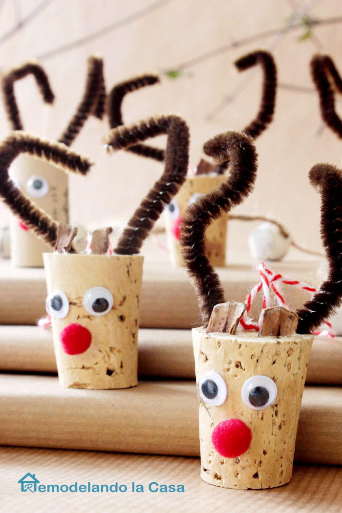 Wine cork reindeer ornament remodelando la casa for Homemade christmas ornaments to make