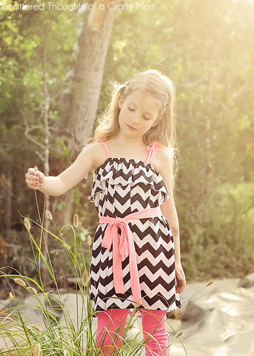 Tutorial to make this adorable sundress in any size. It's so easy, no pattern to cut out, just a few measurements and a couple of hours is all you need!