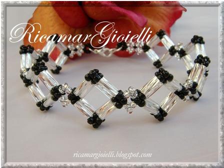 bracciale a rombi realizzati con bugles twist e rocailles