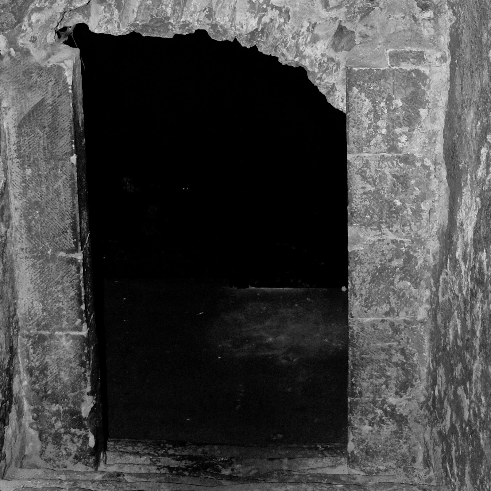 Tunnel in the dungeons of Edinburgh Castle