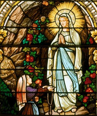 Явление Пресвятой Девы Марии в Лурде