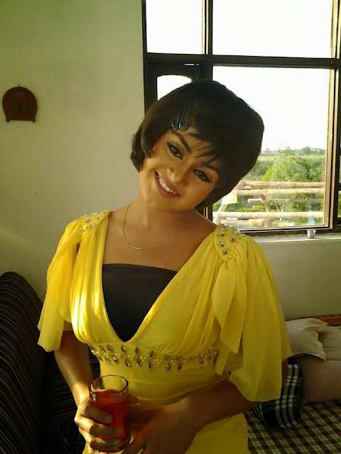 Tanushree chatterjee Bhojpuri Actress in Yellow Dress