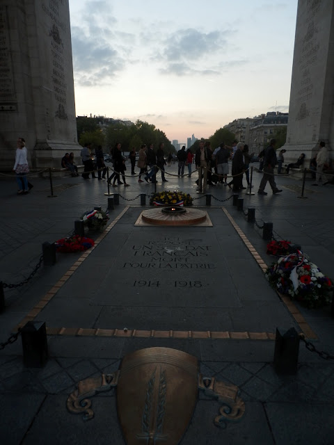 Tomb of the Unknown Soldier; Arc de Triomphe; Jacqueline Kennedy, President Kennedy's grave eternal flame