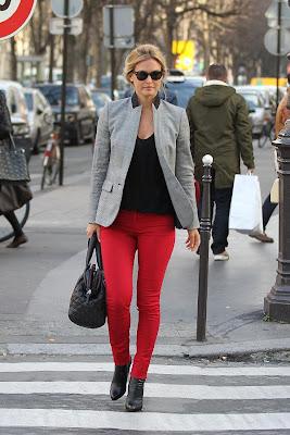 http://2.bp.blogspot.com/-8zVL8zcdSQs/TxRHEBHFOQI/AAAAAAAALUc/omsROO9g9Oo/s1600/Bar-Refaeli-Red-Pants1.jpg
