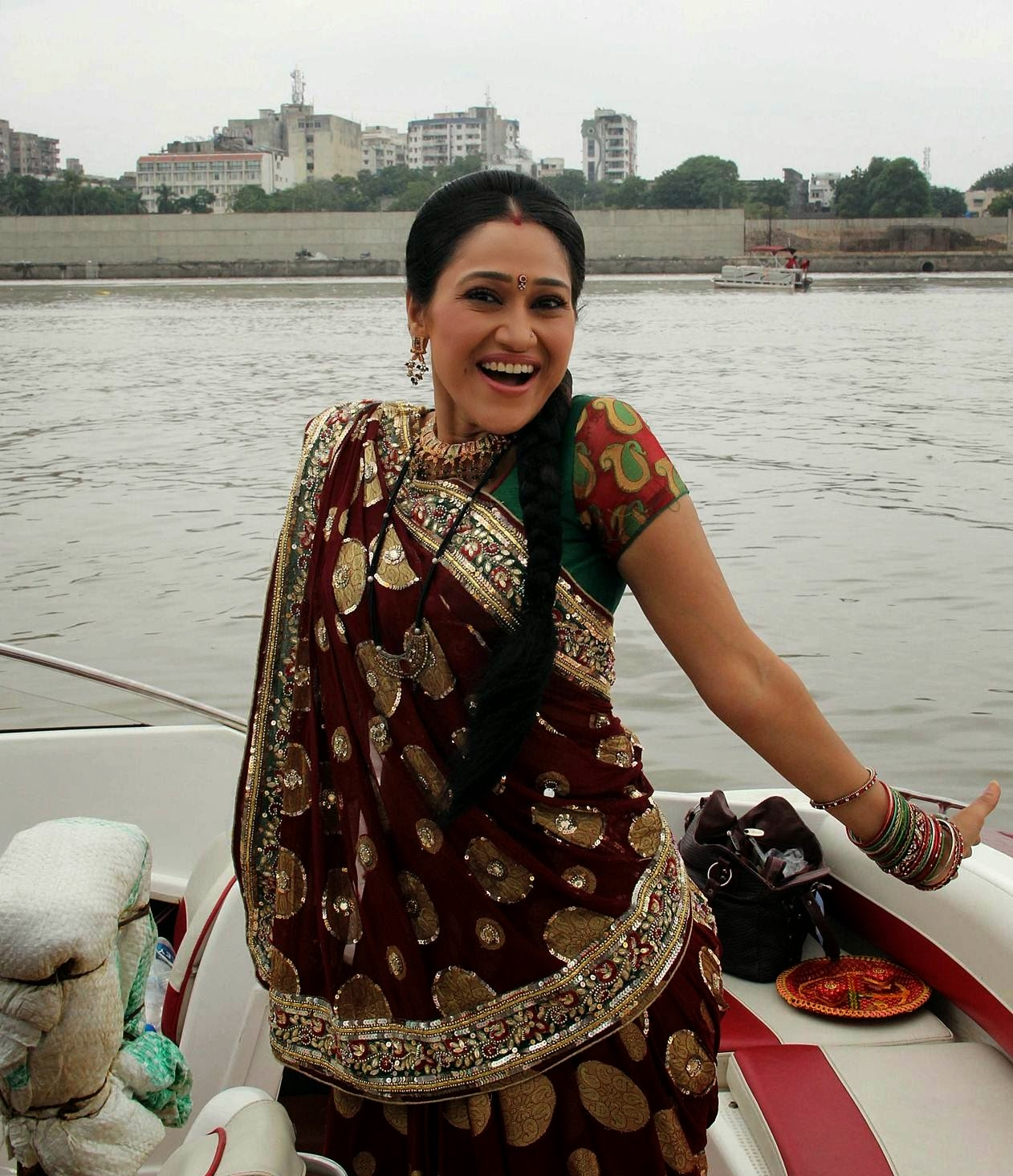 Disha Vakani HD Wallpapers Free Download