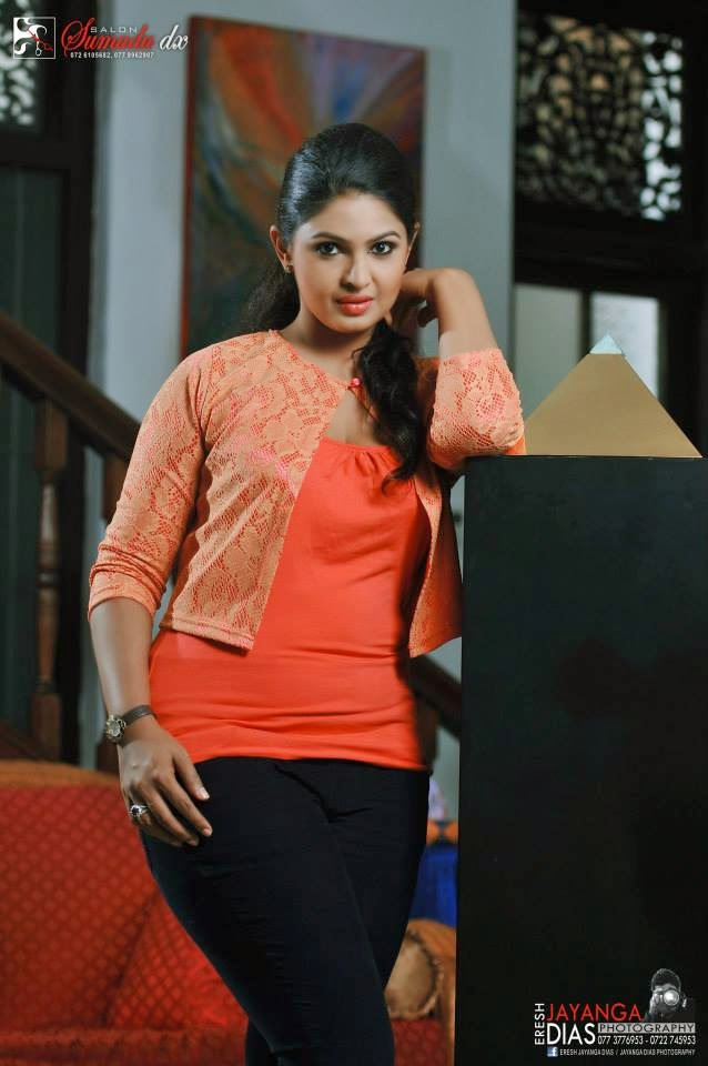 Dulani Anuradha big thighs