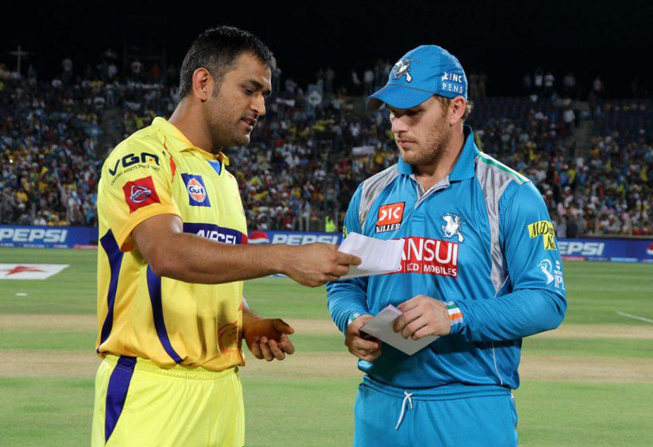 MS-Dhoni-Aaron-Finch-PWI-vs-CSK-IPL-2013