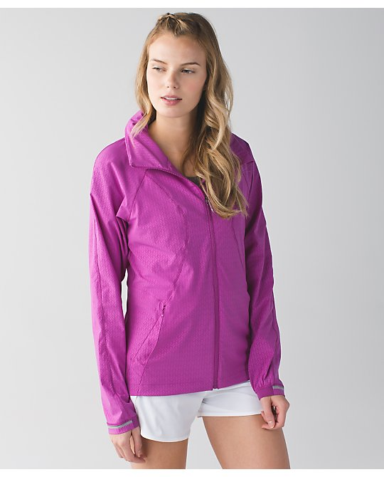 lululemon-ultra-violet-go-the-distance-jacket