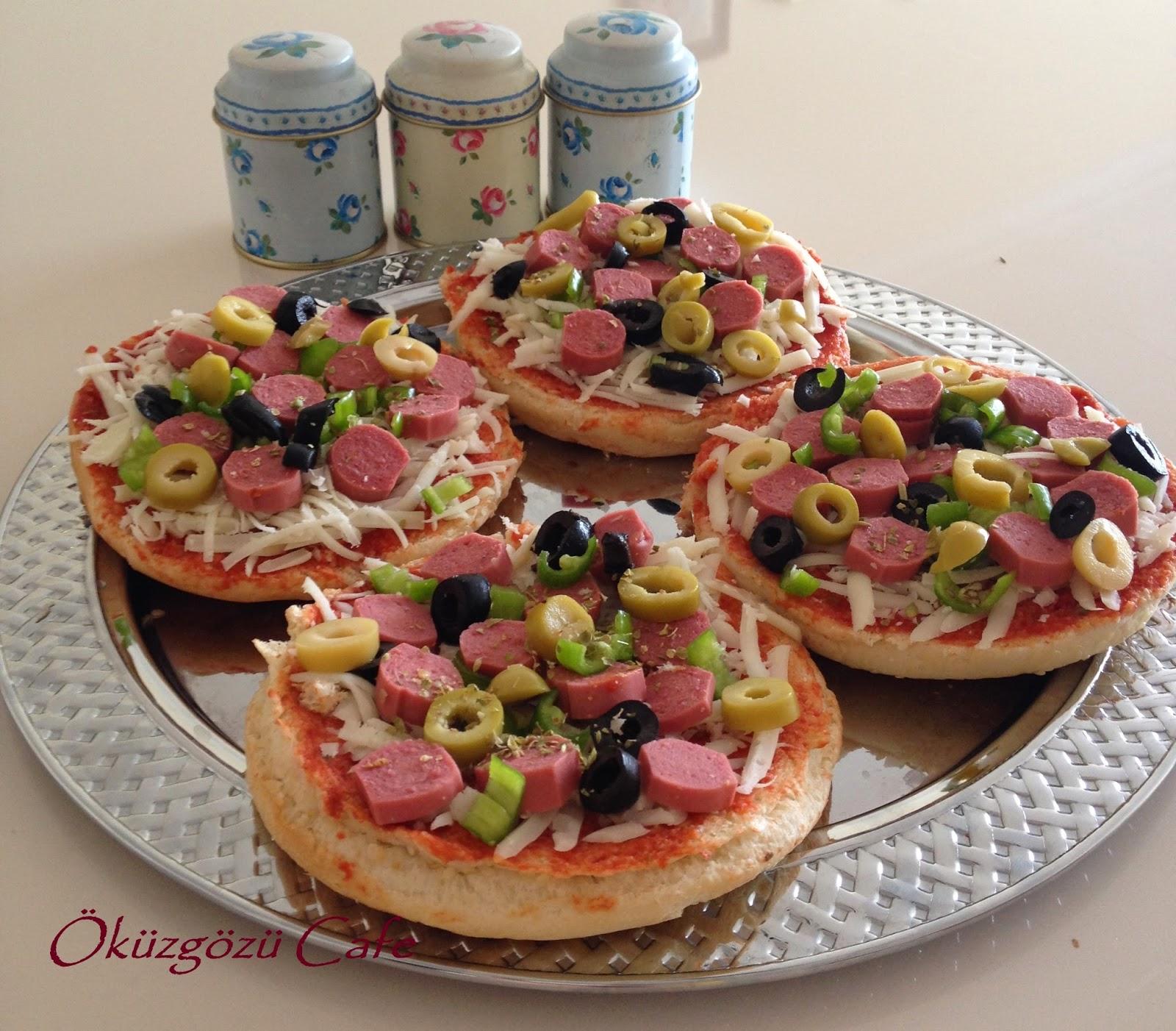 Sandviç Ekmeğinde Pizza