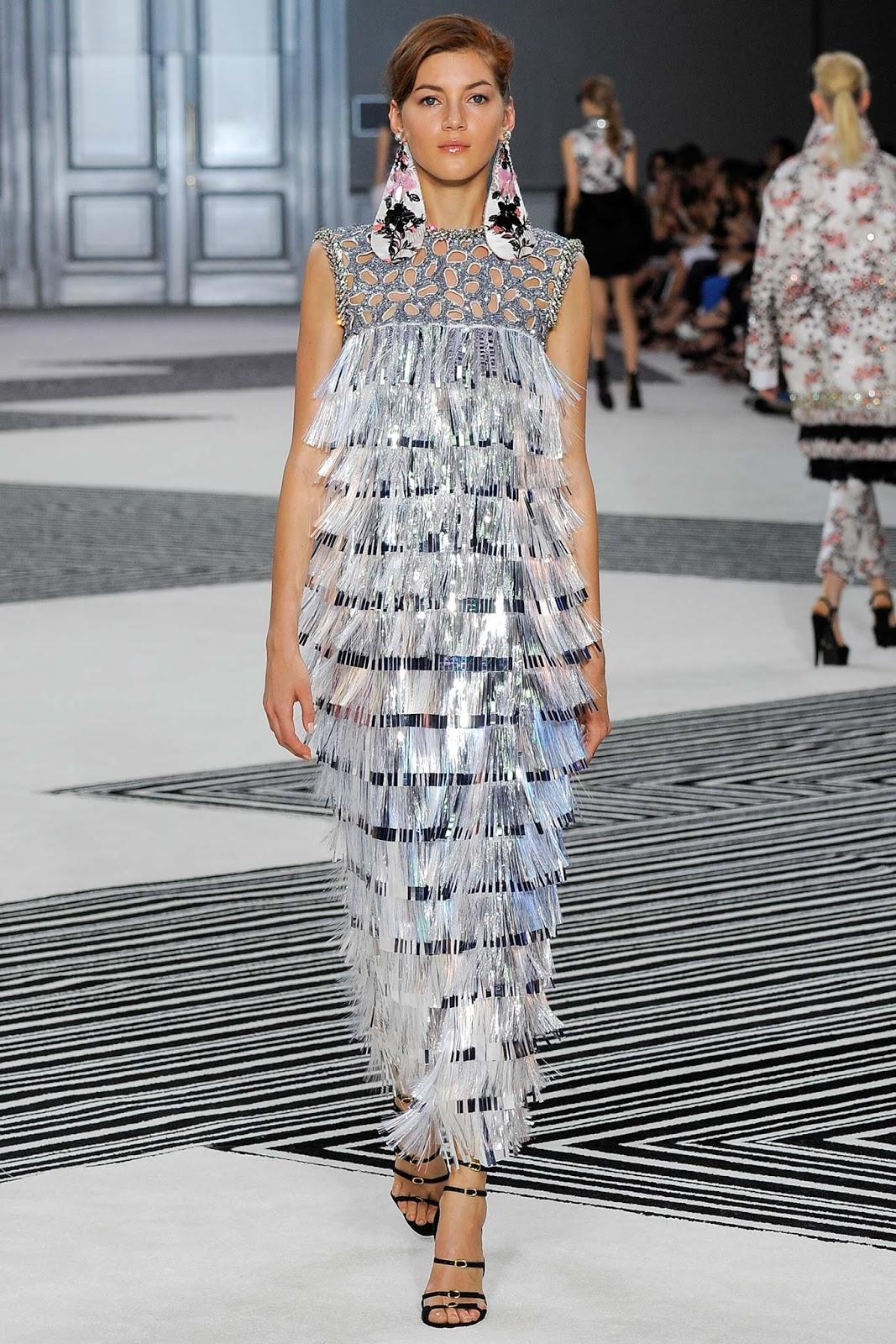 Runway report giambattista valli haute couture fall for Haute couture