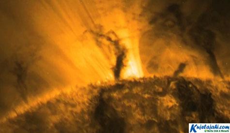 Ada Tornado yang Besarnya 5 Kali Bumi - Kujelajahi.com