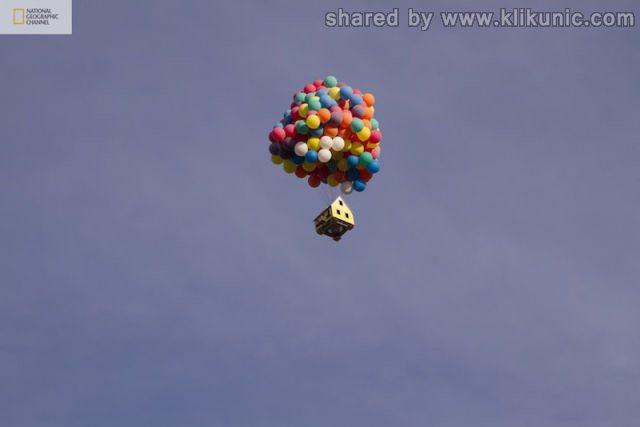 http://2.bp.blogspot.com/-9-hwaJJ0kLY/TXW9CdgBxrI/AAAAAAAAQWY/7dK2PeQV6sc/s1600/a_flying_house_640_08.jpg