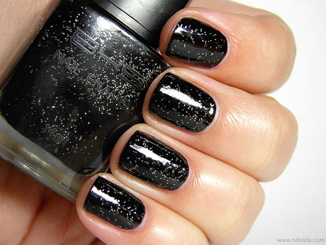 BYS Nail Polish in Silver Black