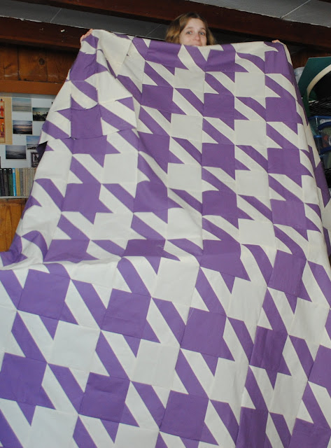 hounds tooth quilt top- finished