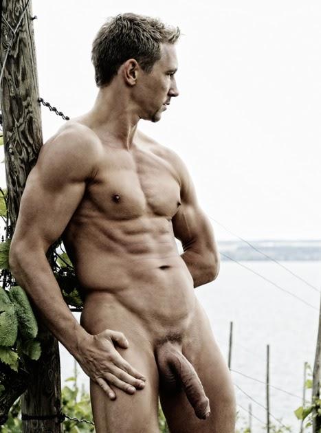 голый красавчик фото