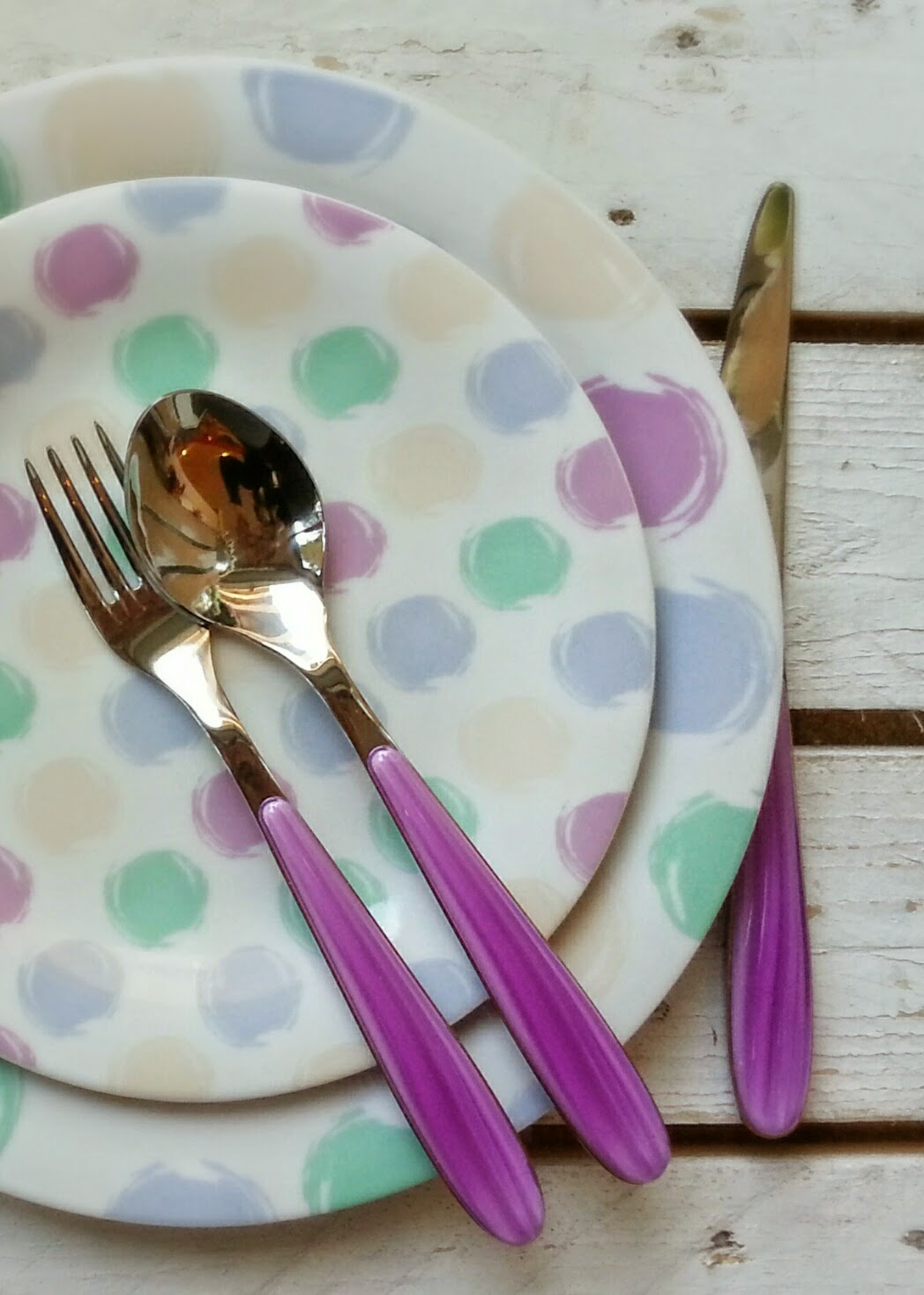 A casa di paco guzzini pastel pois for Servizio di piatti