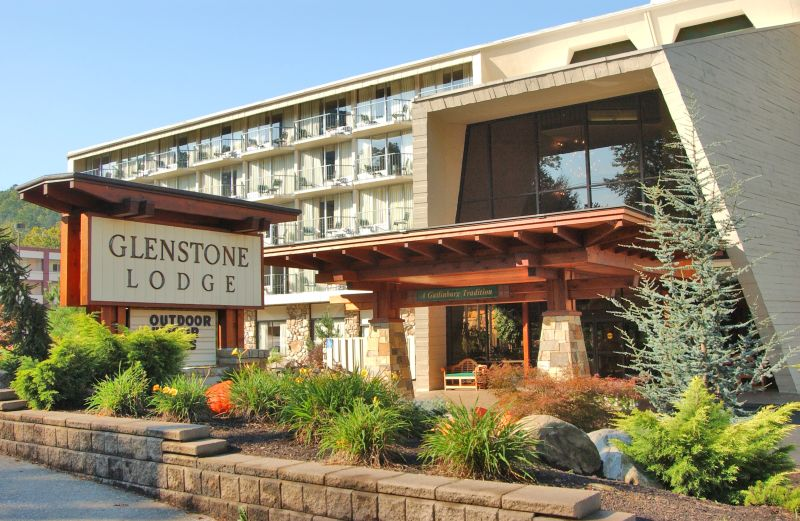 How to ave money on vacations the western new yorker for Groupon gatlinburg cabin