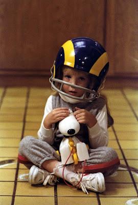 http://2.bp.blogspot.com/-90aTnEqxTOA/UUcwwrYWD-I/AAAAAAAAXS0/CFnWMlHye08/s400/carol+ann+helmet.jpg