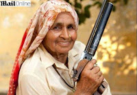 Nenek 78 Tahun Seorang Sniper Profesional!
