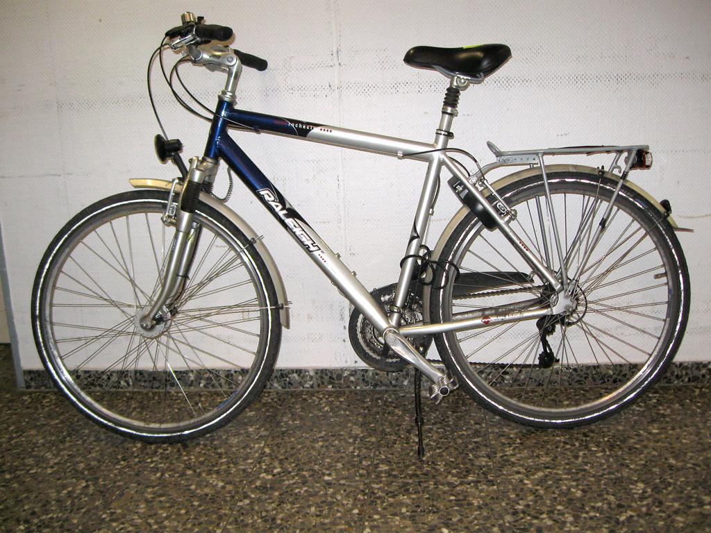 ha wer vermisst ein herren city bike. Black Bedroom Furniture Sets. Home Design Ideas