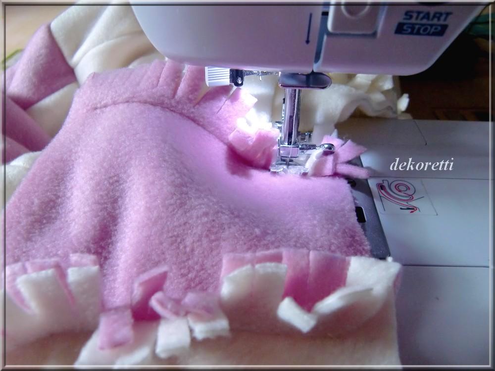 dekoretti´s Welt: Aus rosa und weißen zugeschnittenen Fleece ...