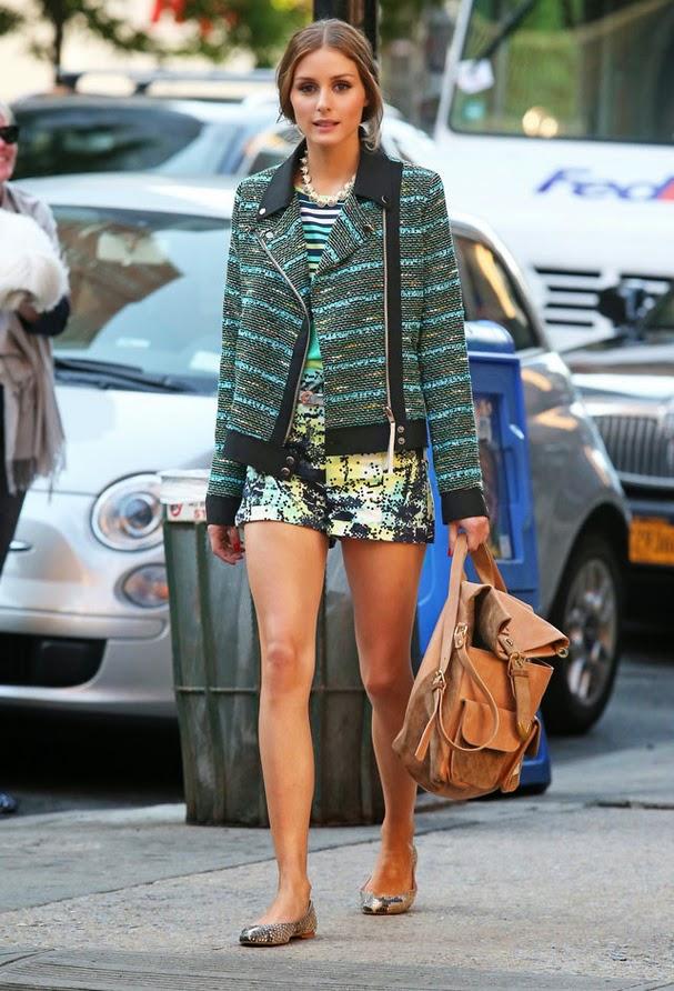 Moda - calções, t-shirt  e casaco com padrões diferentes