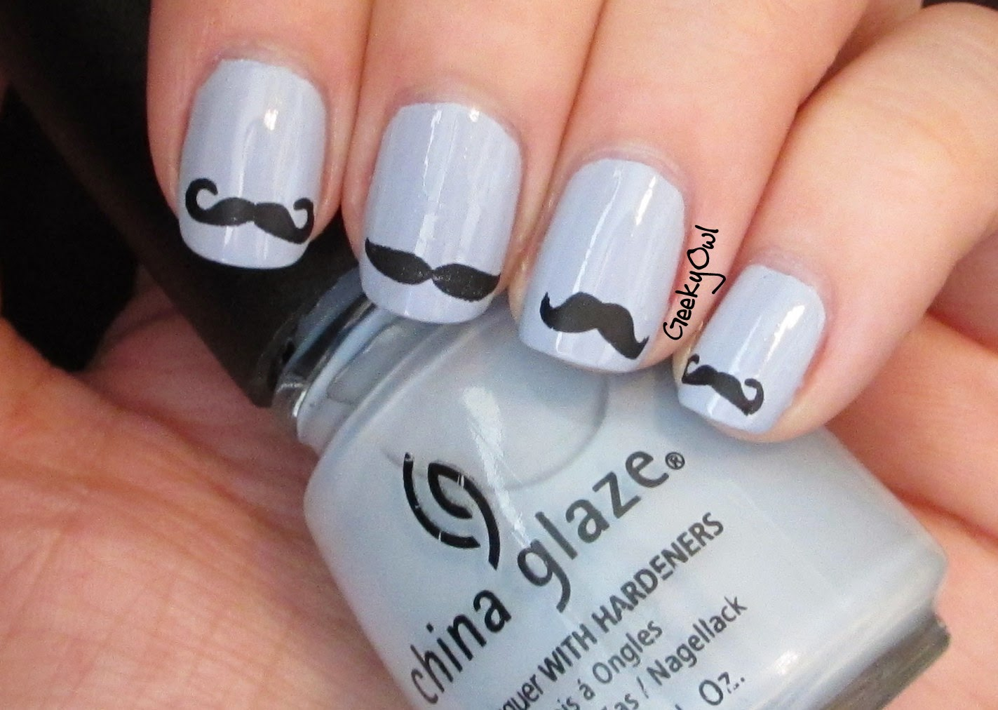 http://geekyowl.blogspot.com/2012/07/china-glaze-agent-lavender-in-disguise.html