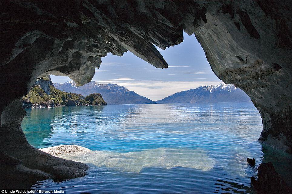 Gua batu marmar di Chile