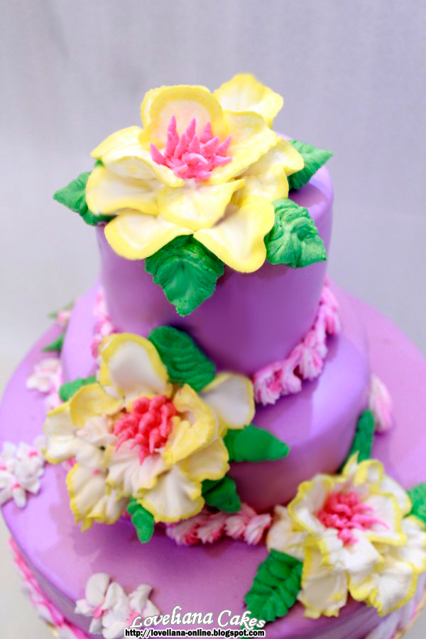 Cake Decorating Cream Flowers : 1000+ images about Cakes with buttercream flowers on ...