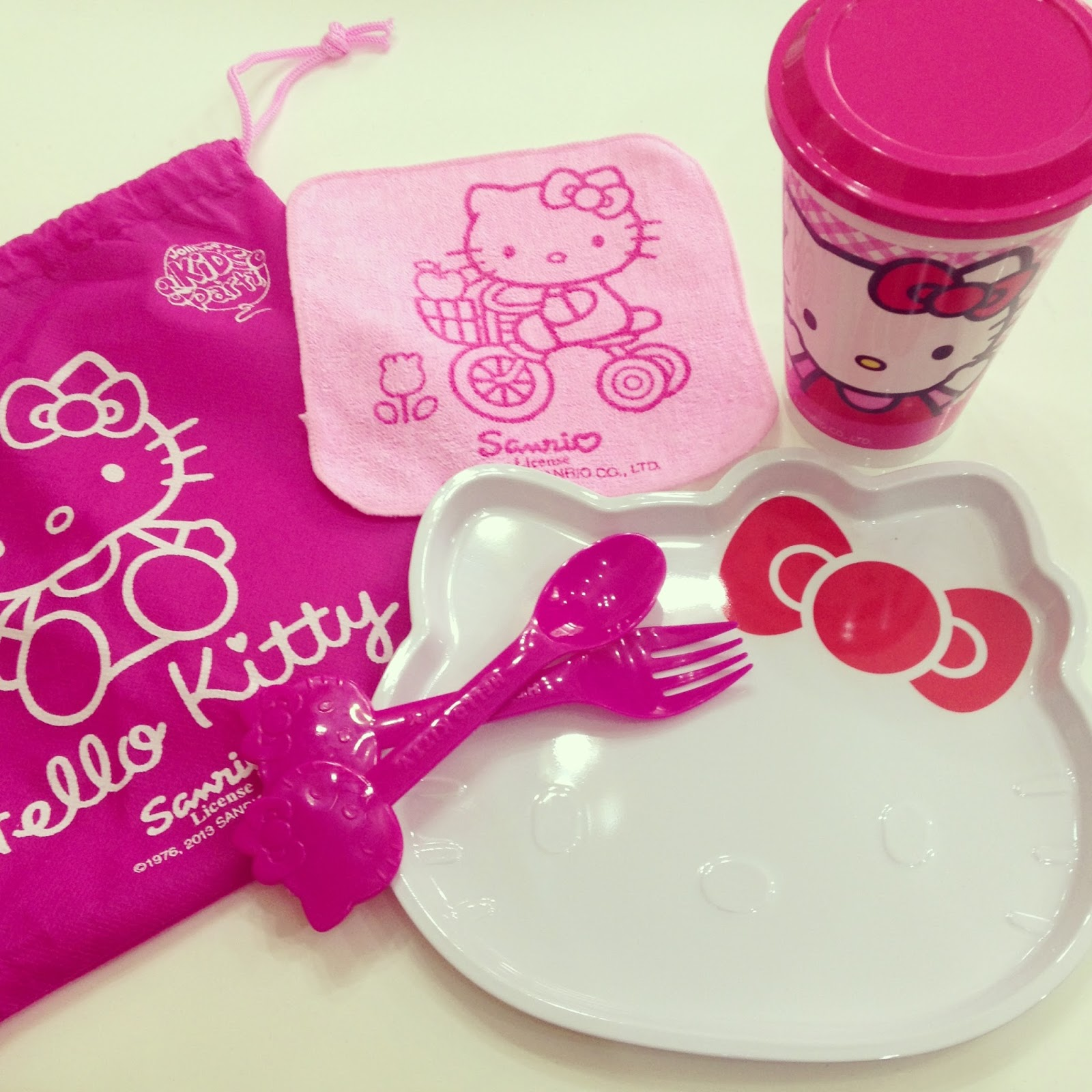 Because Candy Says So....: Hello Kitty Party at Jollibee!! Jollibee Sundae