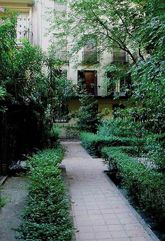 Madrid amanece la casa de las flores homenaje a pablo for Casa jardin madrid