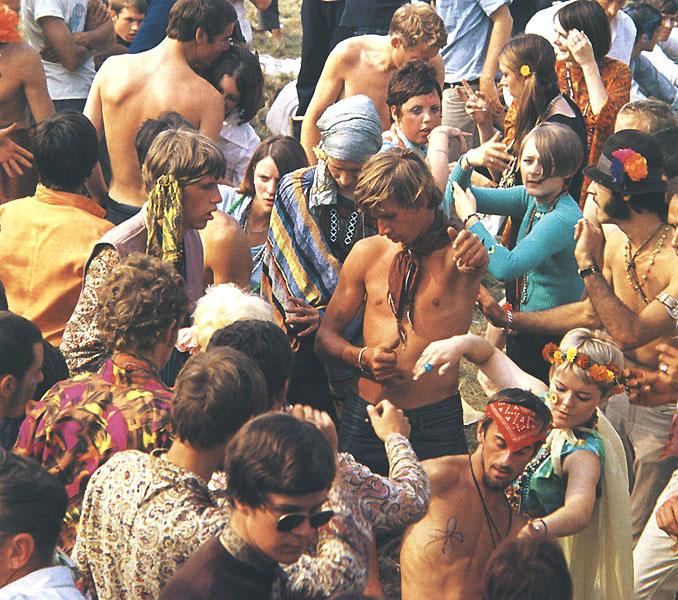 M΄ ΕΚΠΟΜΠΗ ΠΕΜΠΤΗ 23 / 4 / 2015 Γ΄ΣΑΙΖΟΝ (γ΄S) το ΣΩΜΑ  60s_Hippies