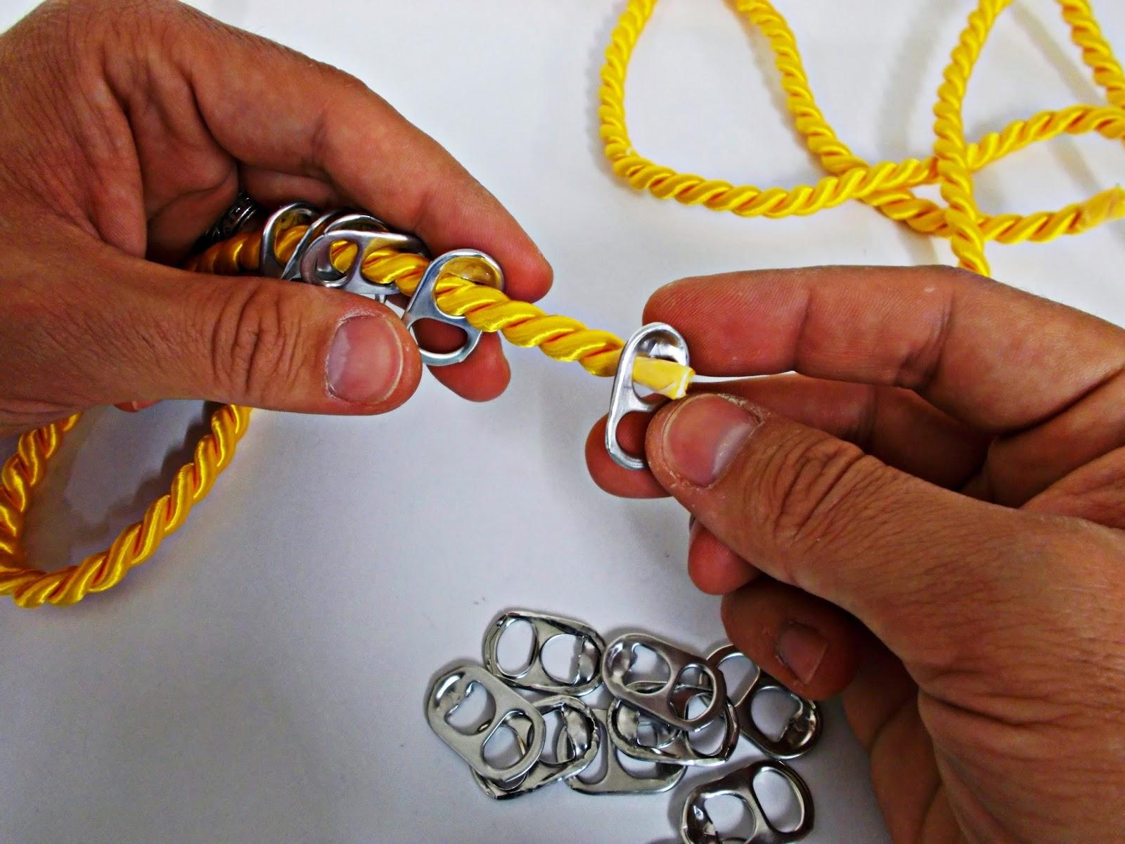 DIY-collar nudos-bisutería-hebillas refrescos-reciclar-reutilizar-2