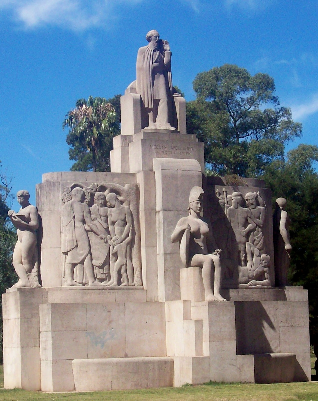 Parque tres de febrero monumentos estatuas for Ver imagenes de jardines de invierno