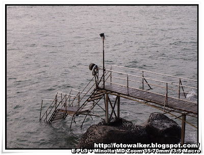 西環泳棚 (Sai Wan Swimming Shed)