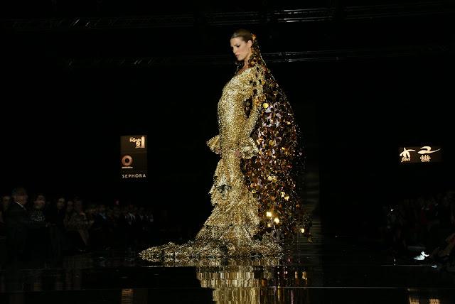 laura-sánchez-con-los-trajes-Vicky-Martin-Berrocal