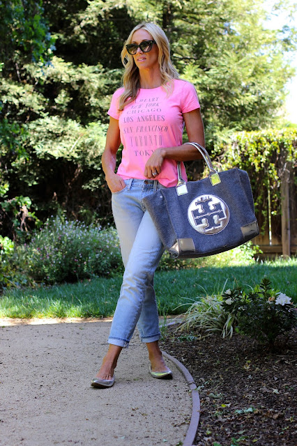 pink tee skinny jeans silver accessories