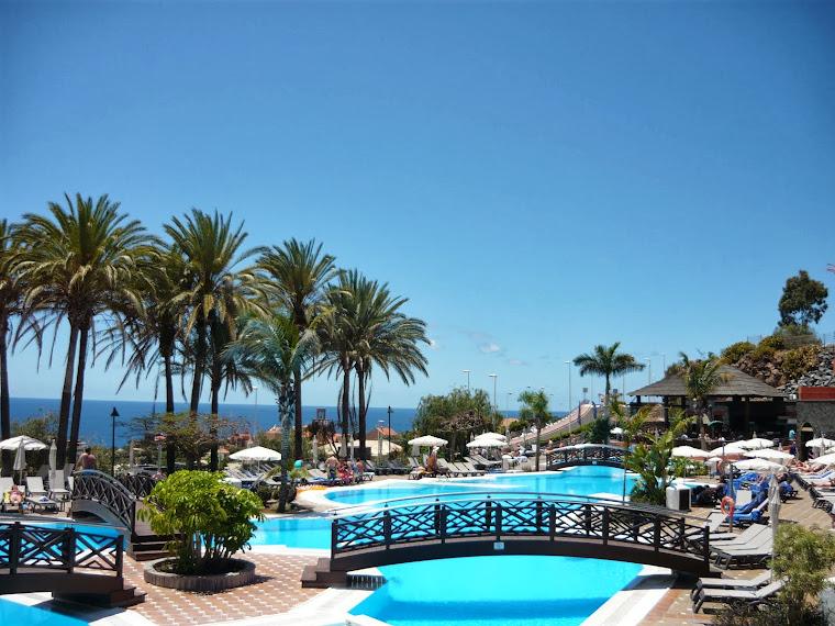 piscina hotelului Melia