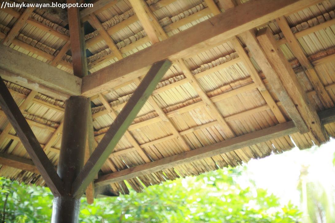 Tulay na kawayan bamboo roofing for Bamboo roofing materials