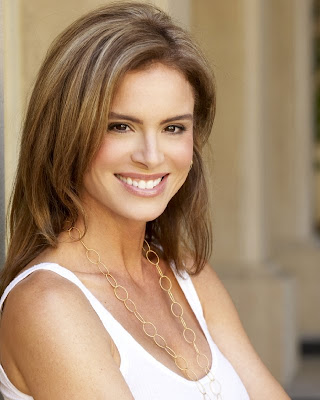 fotos de Betsy Russell style