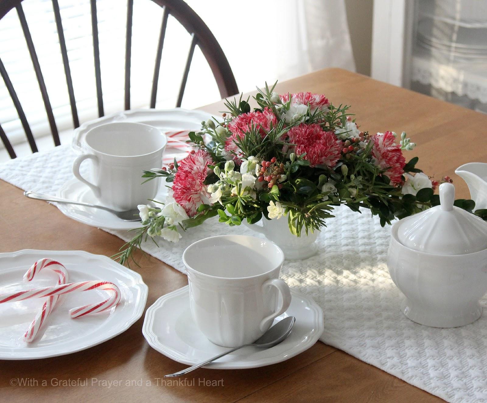 how to make a floral christmas centerpiece - grateful prayer