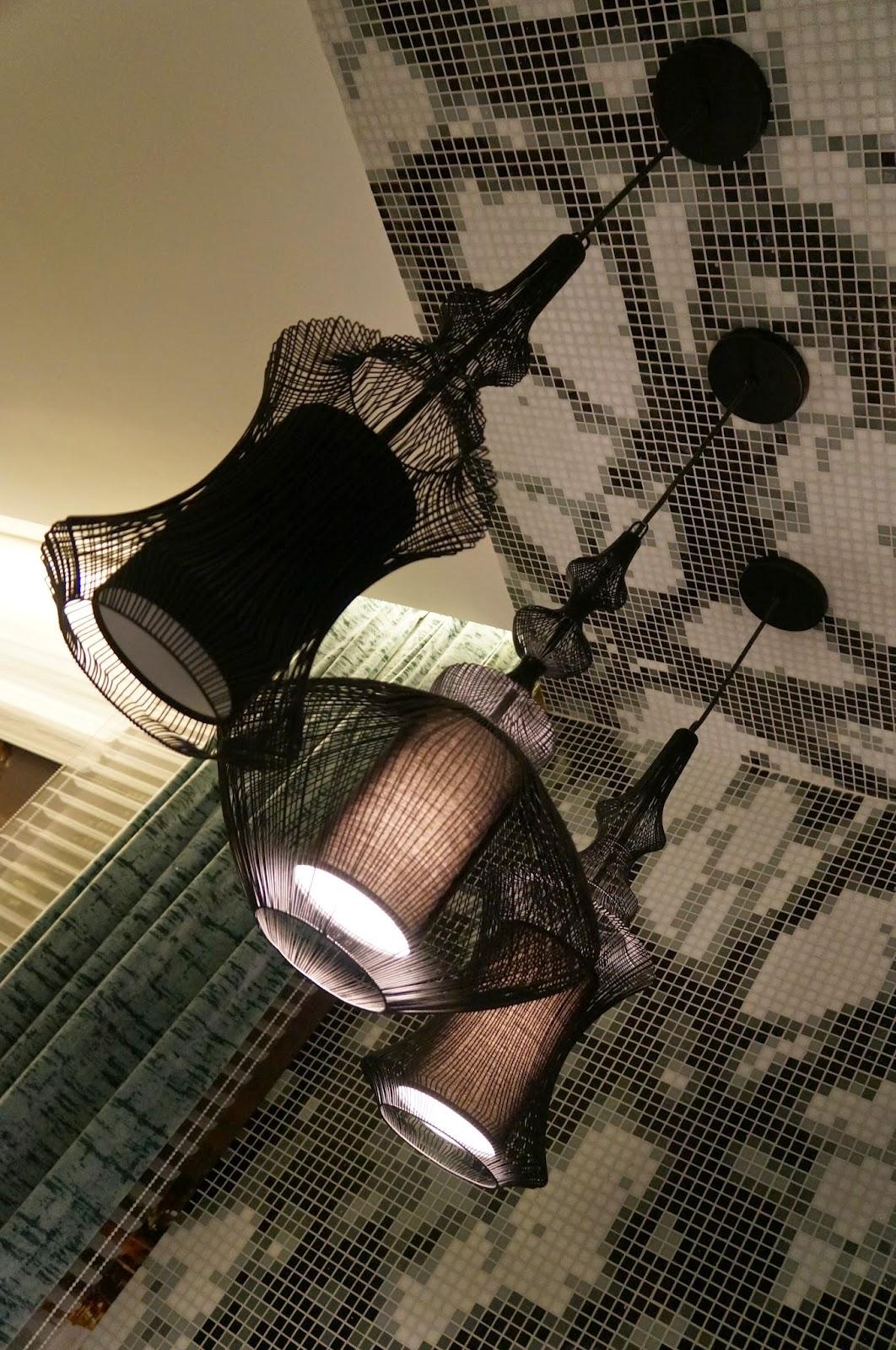ambiente loft metrópole - Adriana Noya - detalhes do trio de pendentes - Casa Cor SP 2014