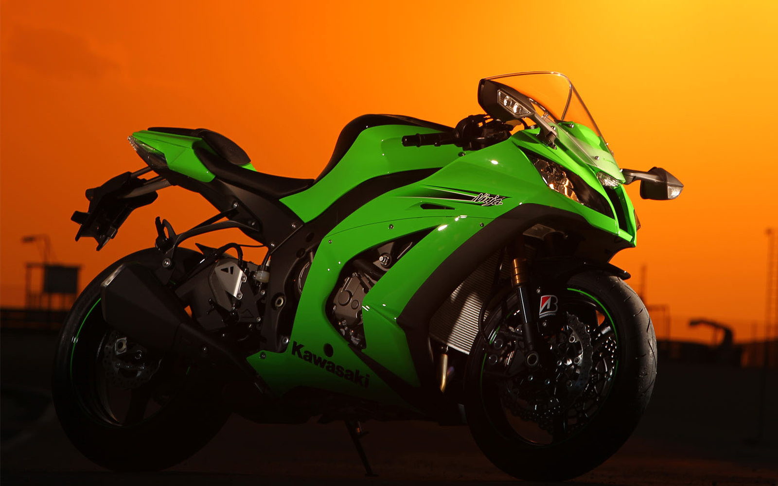 Kawasaki Ninja ZX10R 2009 Wallpapers