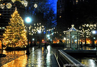RITTENHOUSE SQUARE CHRISTMAS TREE on a Rainy Day | Philly Chit Chat